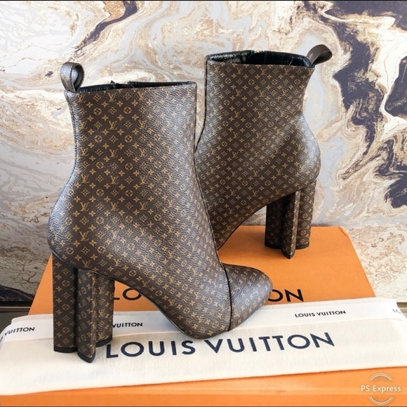 New! Louis Vuitton Silhouette Monogram Ankle Boots
